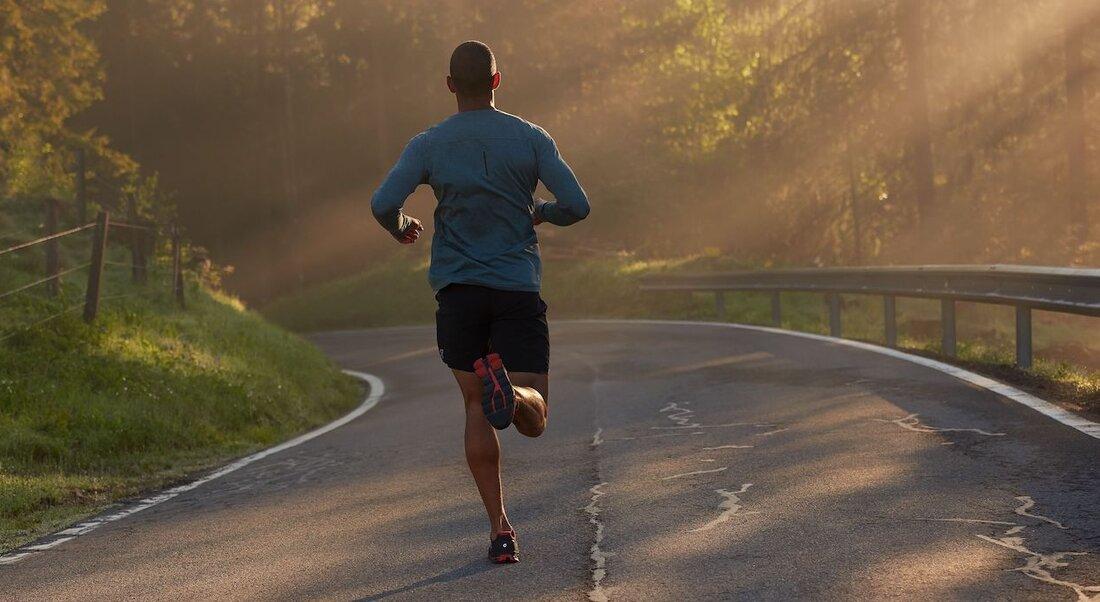 Prečo behať v bežeckej obuvi?